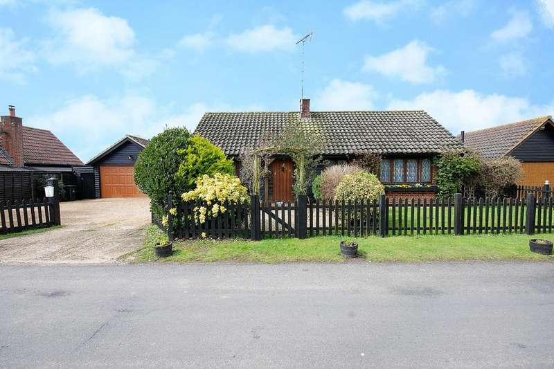 5 Bedrooms Detached Bungalow for sale in Church Street, Goldhanger, Maldon, Essex, CM9