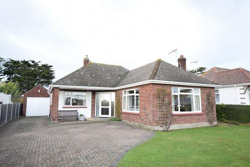 2 Bedrooms Detached Bungalow for sale in Thorpe Road, Great Clacton, Clacton-on-Sea