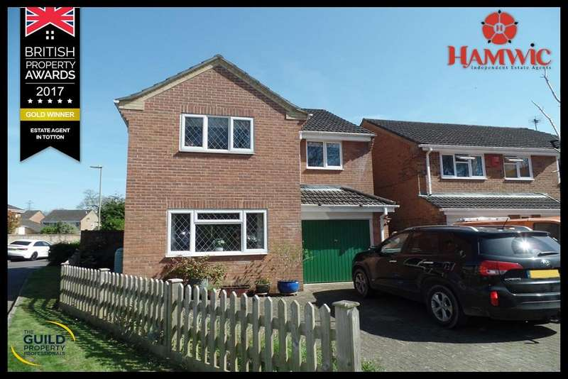 4 Bedrooms Detached House for sale in Eastmere Court, Totton, Southampton SO40