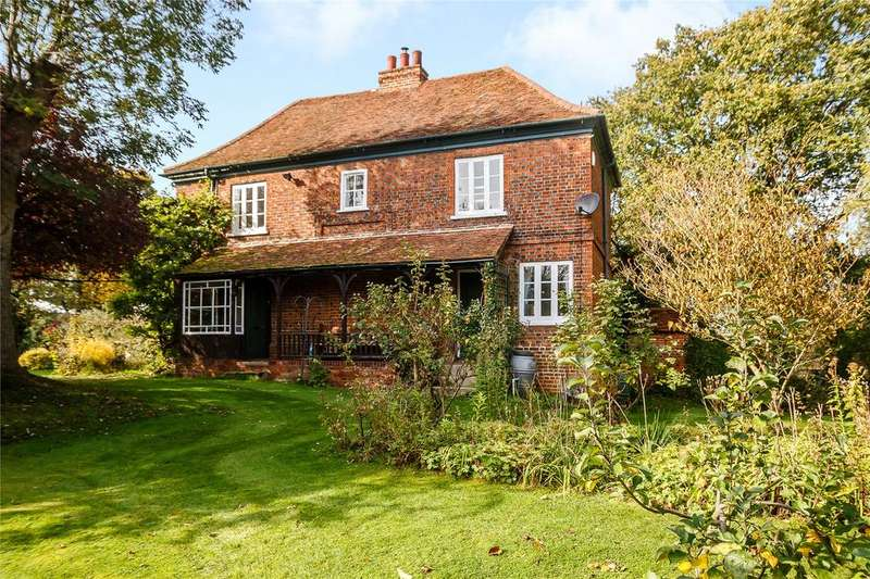 3 Bedrooms Detached House for sale in Private Road, Galleywood Common, Chelmsford, CM2