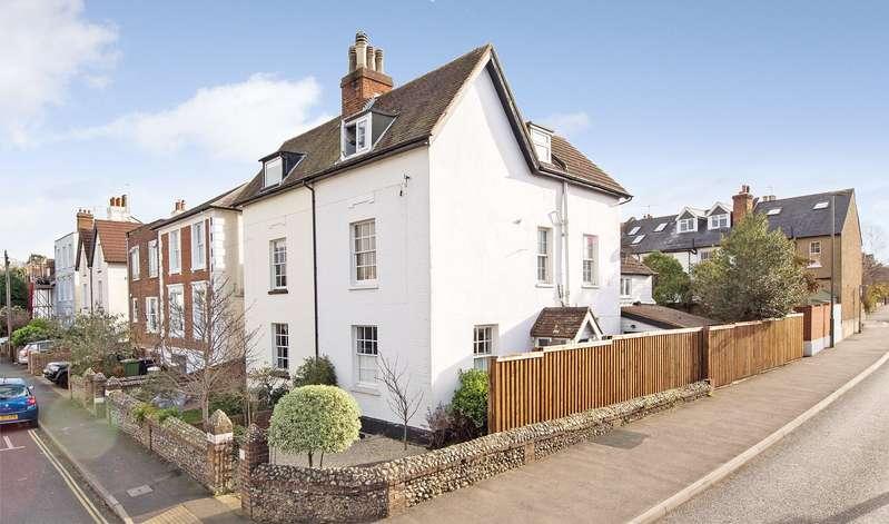 5 Bedrooms Semi Detached House for sale in Arundel Road, Dorking, Surrey, RH4