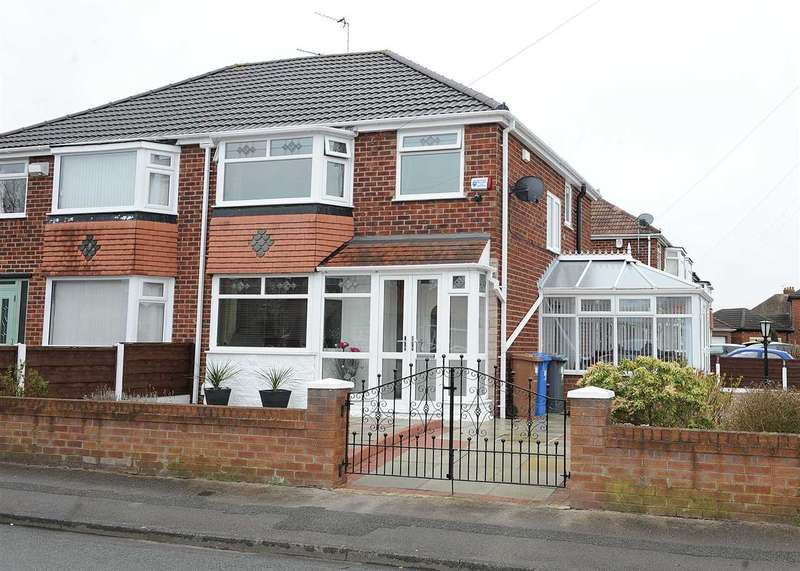 3 Bedrooms Semi Detached House for sale in 3 Parkstone Road, Irlam M44 6JY