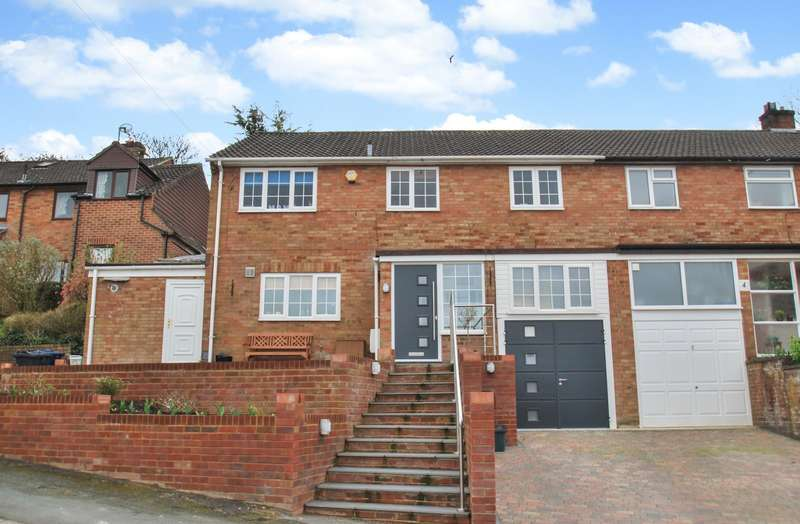 4 Bedrooms Semi Detached House for sale in Birch Way, Chesham, HP5
