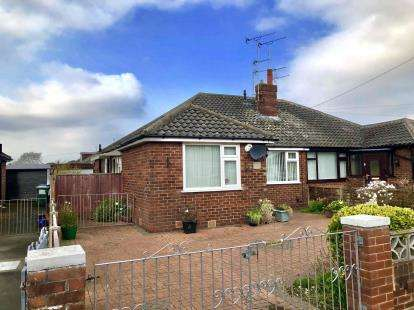 2 Bedrooms Bungalow for sale in St. Johns Avenue, Thornton-Cleveleys, FY5