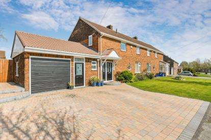 3 Bedrooms Semi Detached House for sale in Newchurch Lane, Culcheth, Warrington, Cheshire