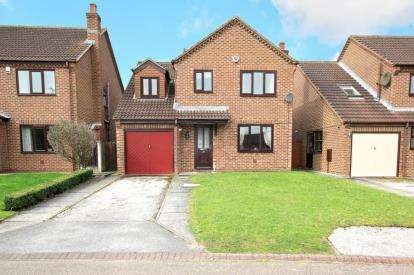 4 Bedrooms Detached House for sale in Plumpton Gardens, Doncaster