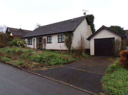 3 Bedrooms Bungalow for sale in North Tawton, Devon