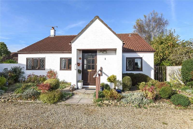 3 Bedrooms Bungalow for sale in Coopers Court, Kings Road, Sherborne, Dorset, DT9