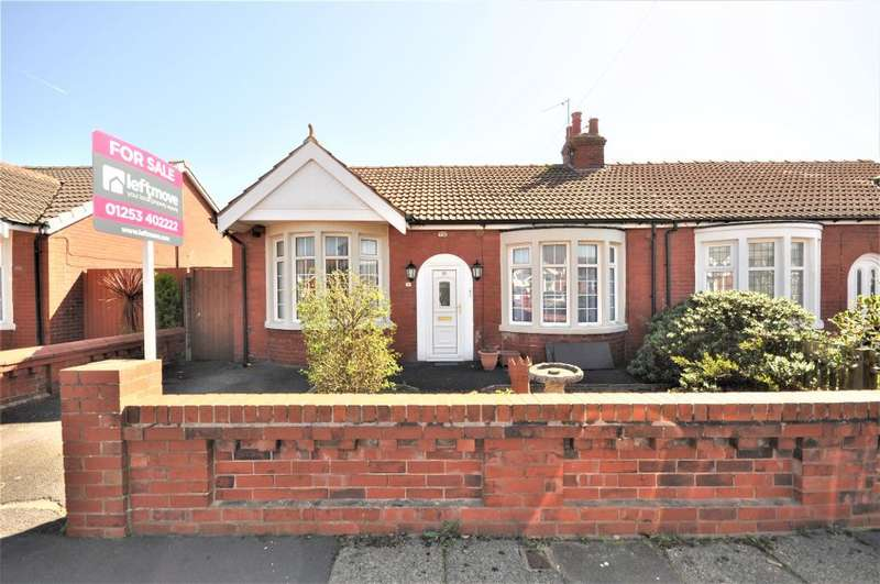 3 Bedrooms Semi Detached Bungalow for sale in Selby Avenue, South Shore, Blackpool, Lancashire, FY4 2LY