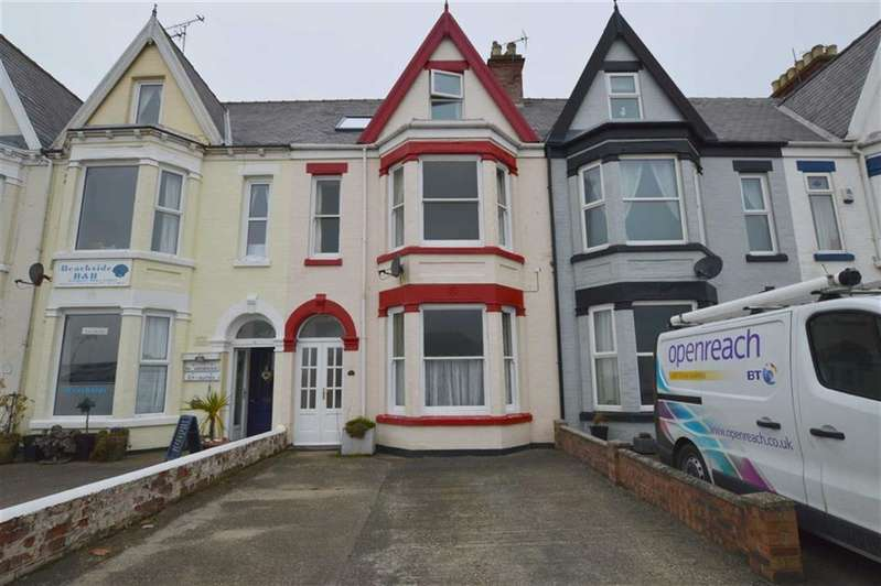 4 Bedrooms Terraced House for sale in Victoria Avenue, Hornsea, East Yorkshire