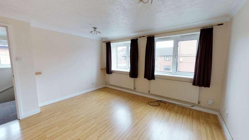 1 Bedroom Ground Maisonette Flat for sale in Ravenscroft Crescent, London SE9