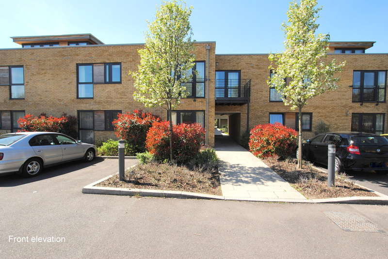 2 Bedrooms Flat for sale in Hornbeam Road, Reigate