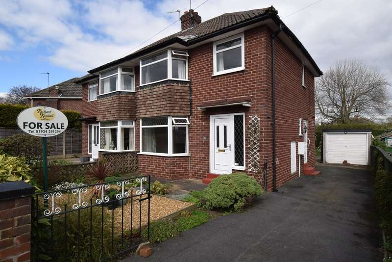 3 Bedrooms Semi Detached House for sale in Eastwood Close, Durkar, Wakefield
