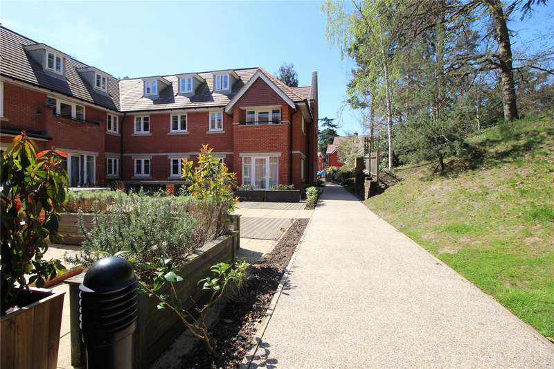 2 Bedrooms Apartment Flat for sale in Maybury Place, 58 Sandy Lane, Woking, Surrey, GU22
