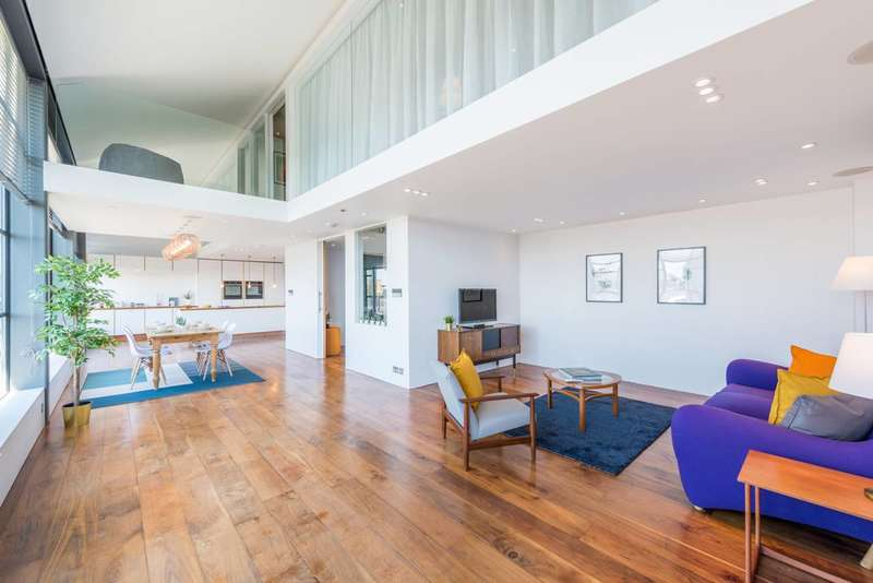 2 Bedrooms Flat for rent in Chiswick Green Studios, Chiswick, W4