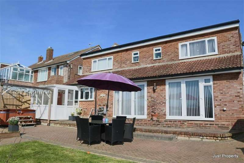5 Bedrooms Detached House for sale in Park View, Hastings