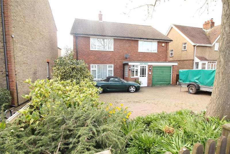 4 Bedrooms Detached House for sale in Hare Street, Harlow