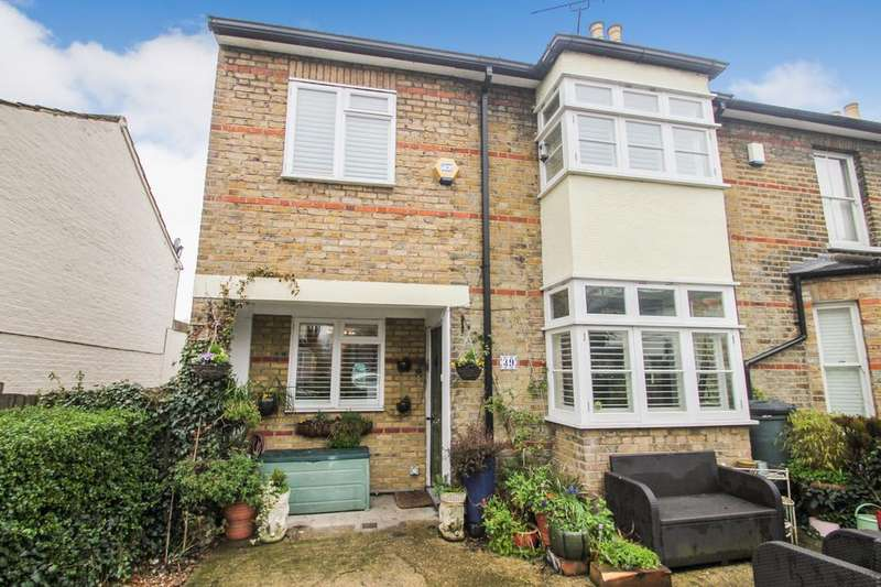 3 Bedrooms Semi Detached House for sale in Browning Road, Leytonstone, London, E11