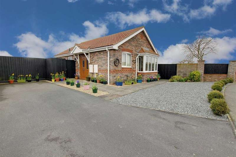 2 Bedrooms Detached Bungalow for sale in Dymoke Road, Mablethorpe