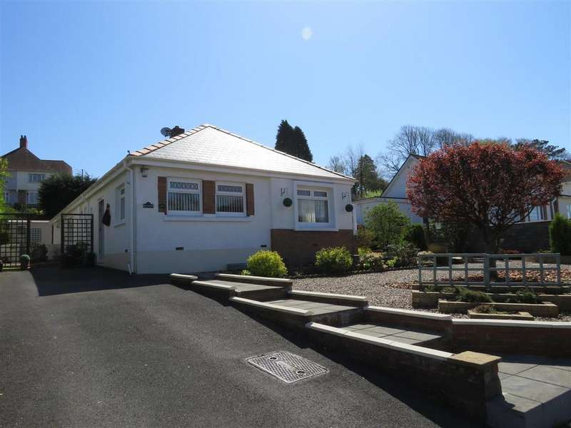 4 Bedrooms Detached Bungalow for sale in Heol Innes, Felinfoel, Llanelli