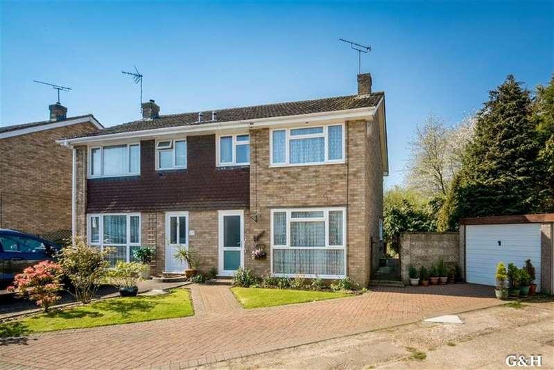 3 Bedrooms Semi Detached House for sale in Mendip, Ashford, Kent