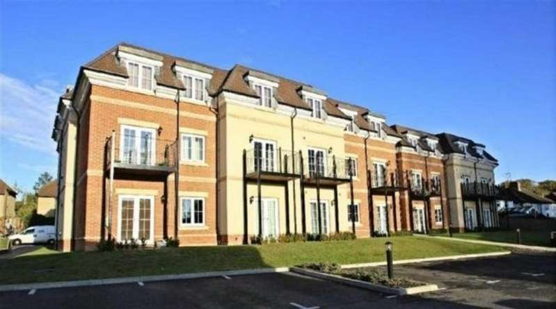 2 Bedrooms Apartment Flat for rent in KINGS LANGLEY