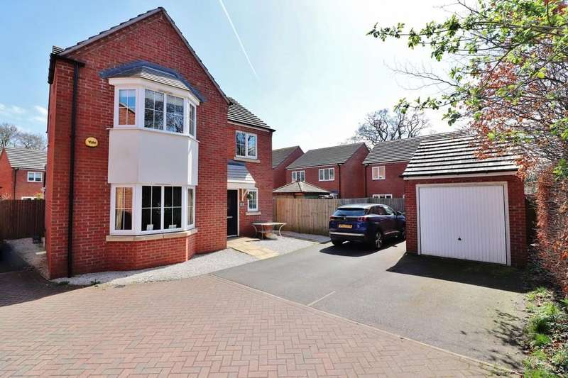 4 Bedrooms Detached House for sale in Eusden Close, Tamworth