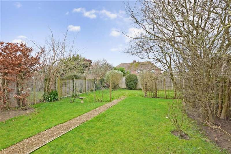 3 Bedrooms Semi Detached House for sale in Roundstone Drive, East Preston, West Sussex