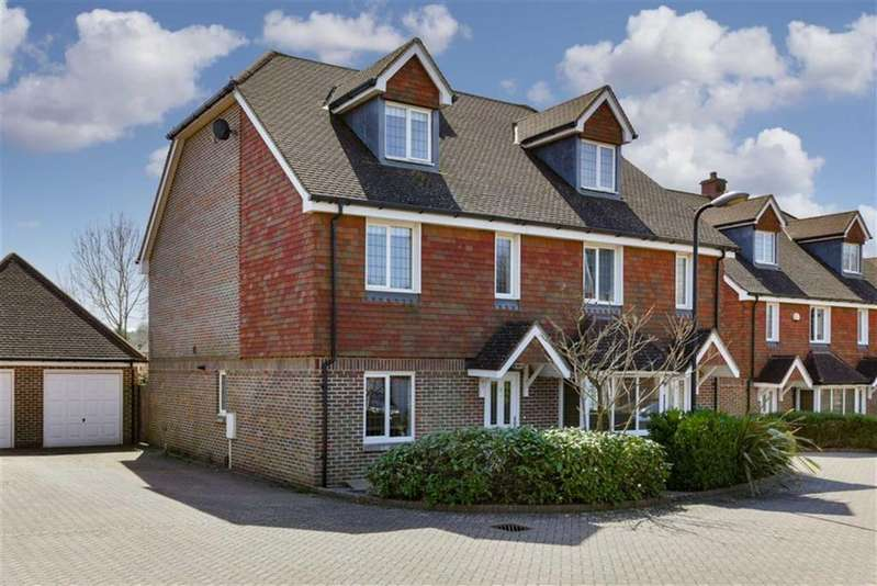 3 Bedrooms Semi Detached House for sale in Birch Close, Banstead, Surrey
