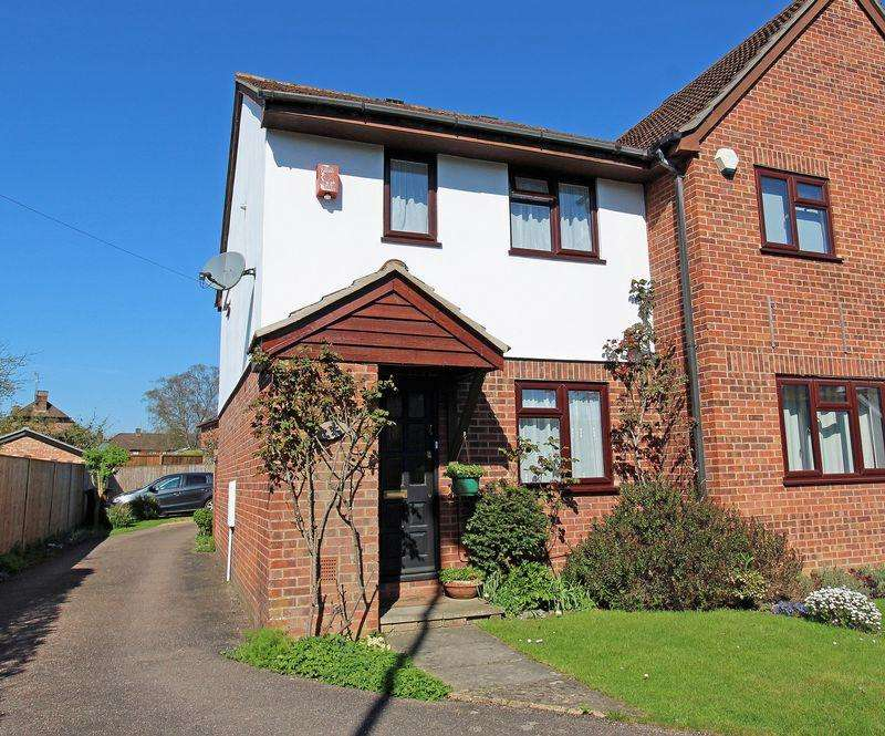 2 Bedrooms Semi Detached House for sale in Godstone Hill, Godstone