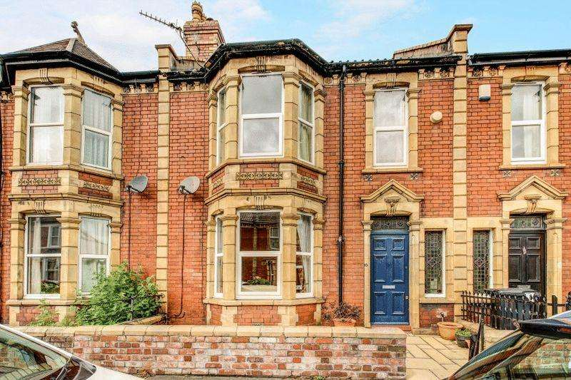 4 Bedrooms Terraced House for sale in Downend Road, Horfield