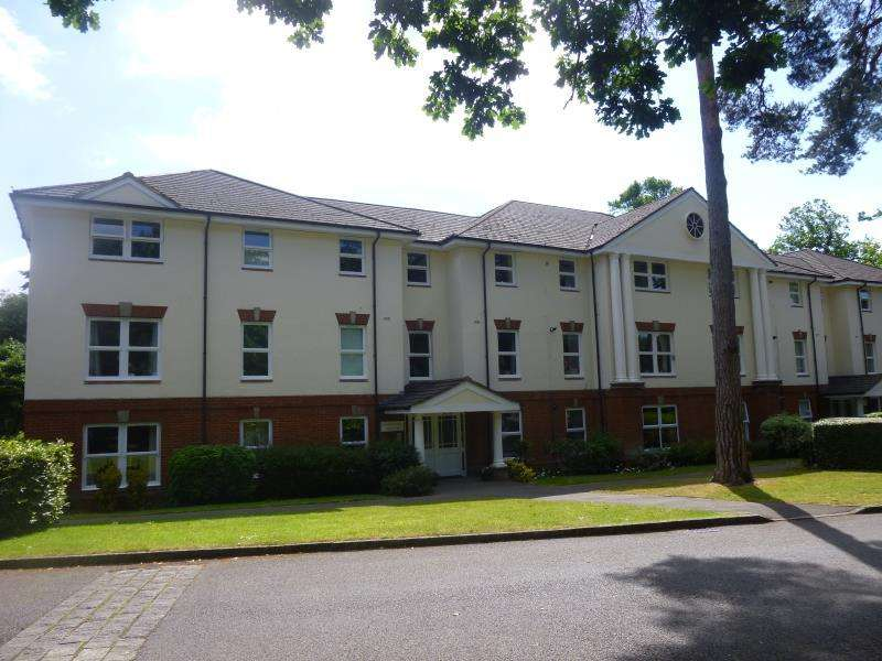 2 Bedrooms Apartment Flat for sale in Boundary Road, Farnborough, Hampshire