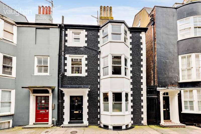 3 Bedrooms Terraced House for sale in Charles Street, Brighton, BN2