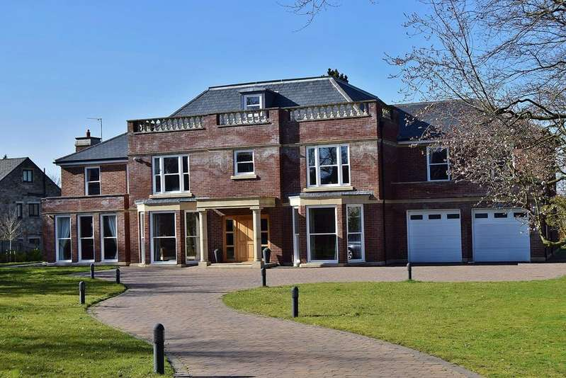 6 Bedrooms Detached House for sale in Middle Drive, Darras Road, Ponteland, Newcastle upon Tyne, NE20