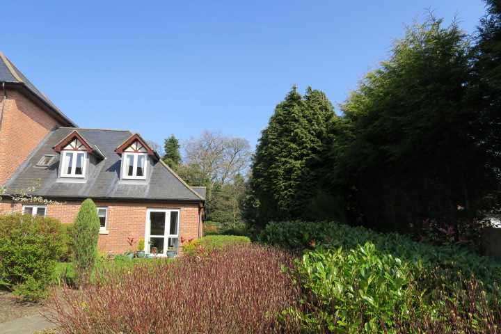 2 Bedrooms Apartment Flat for sale in Pinfold Court, Cleadon