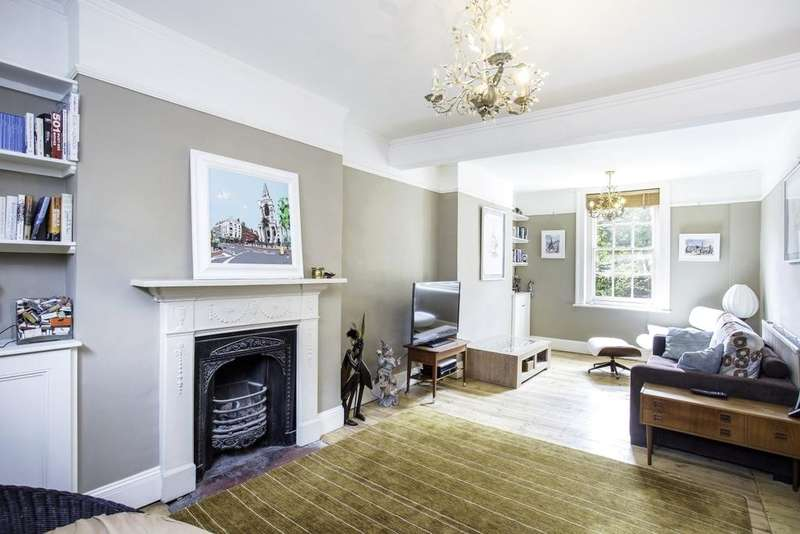 3 Bedrooms House for rent in Pearson Street, Hoxton, E2