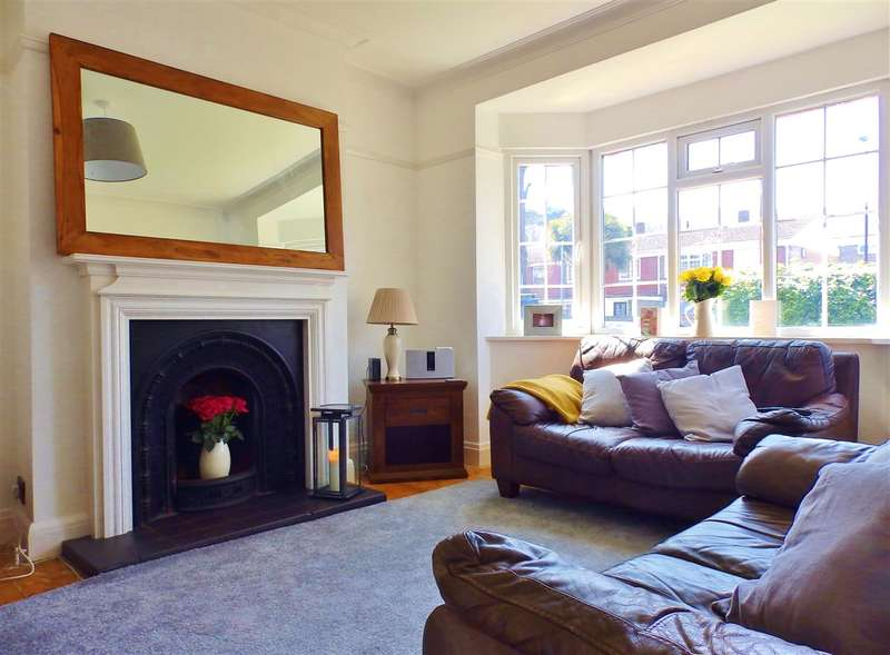 3 Bedrooms Semi Detached House for sale in Longland Road, Eastbourne