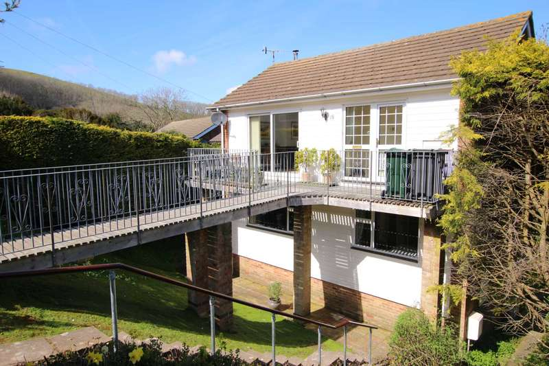 4 Bedrooms Detached House for sale in Old Mansion Close, Eastbourne, BN20 9DP