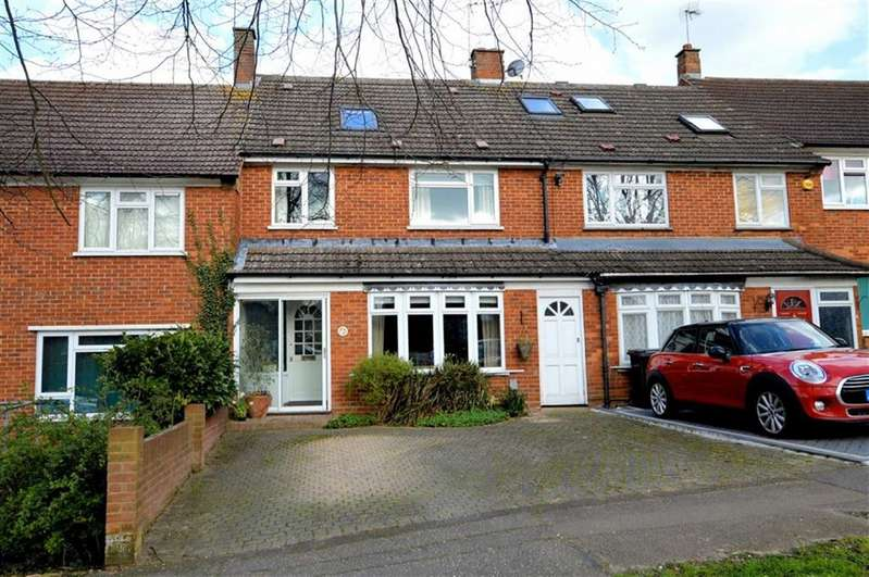4 Bedrooms Terraced House for sale in Ingels Mead, Epping