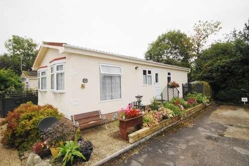 2 Bedrooms Park Home Mobile Home for sale in Hillbury Park, Alderholt