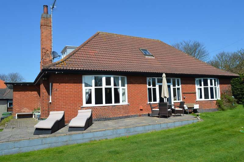 4 Bedrooms Detached Bungalow for sale in 28 Rolston Road, Hornsea, HU18