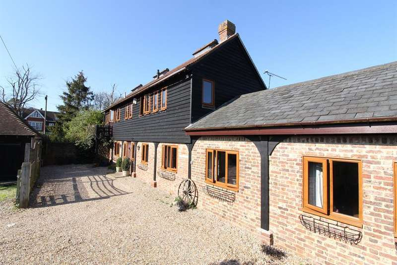 3 Bedrooms Detached House for sale in HIGH HALDEN