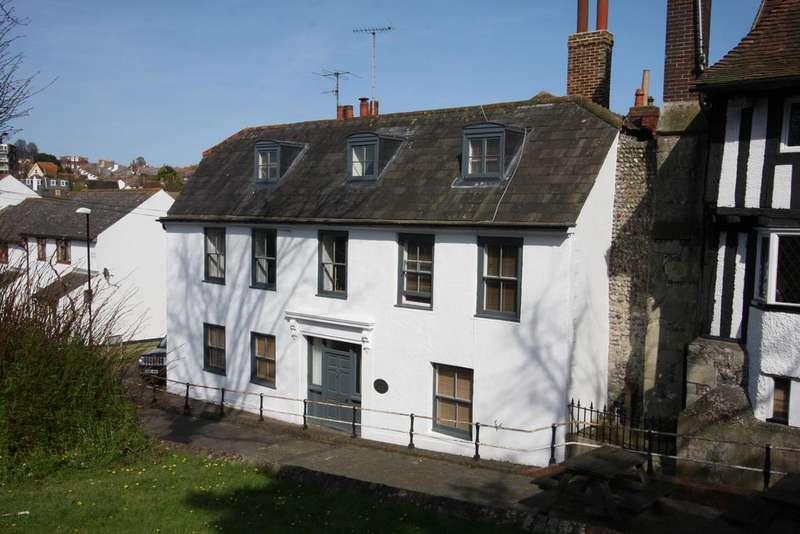 5 Bedrooms Semi Detached House for sale in 2 Ocklynge Road, Eastbourne BN21