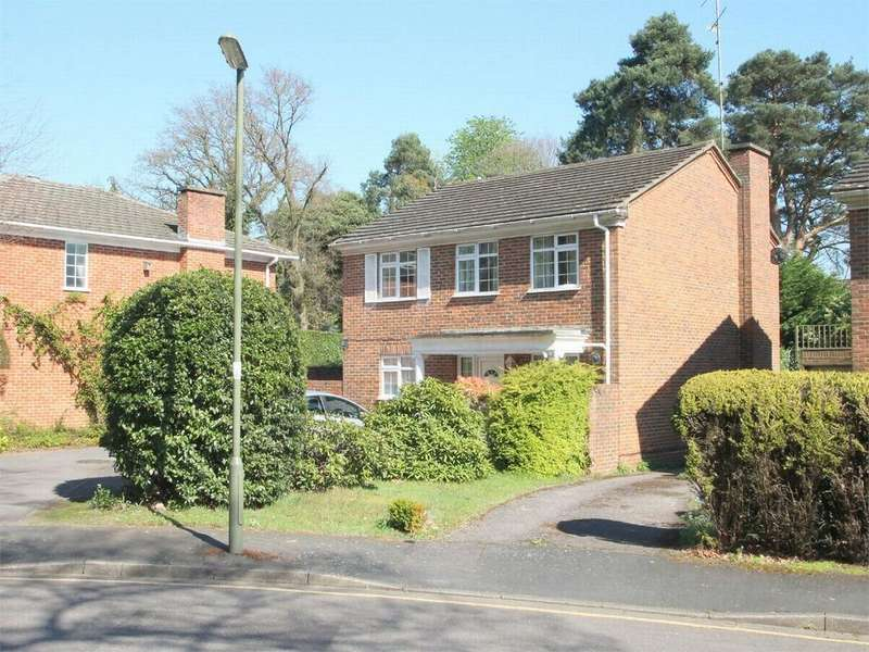 4 Bedrooms Detached House for sale in Firwood Drive, Camberley, Surrey