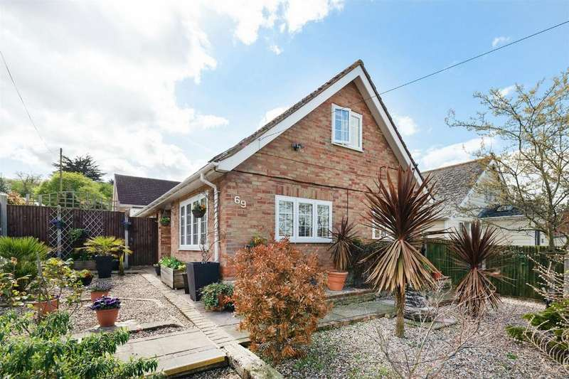 4 Bedrooms Chalet House for sale in Saddleton Road, Whitstable, Kent