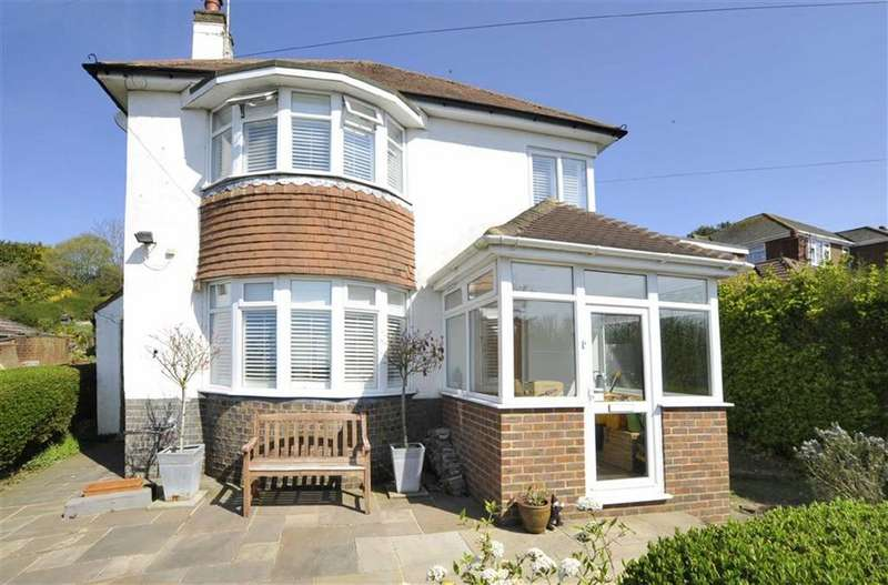 3 Bedrooms Detached House for sale in Crescent Drive North, Brighton