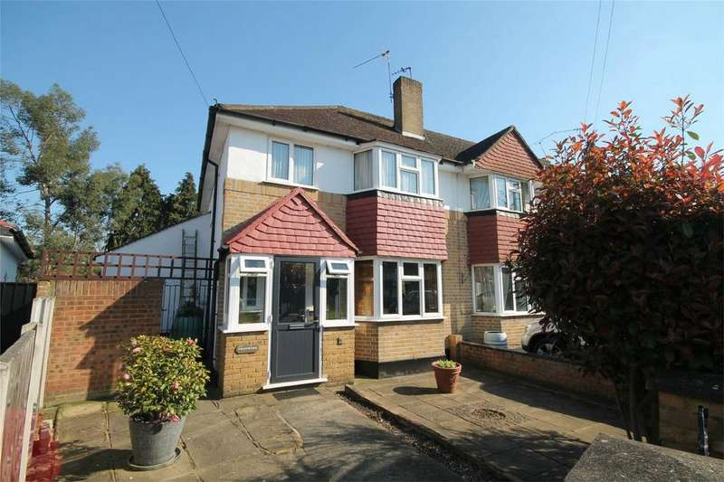 3 Bedrooms End Of Terrace House for sale in Woodberry Close, Sunbury-on-Thames, Surrey