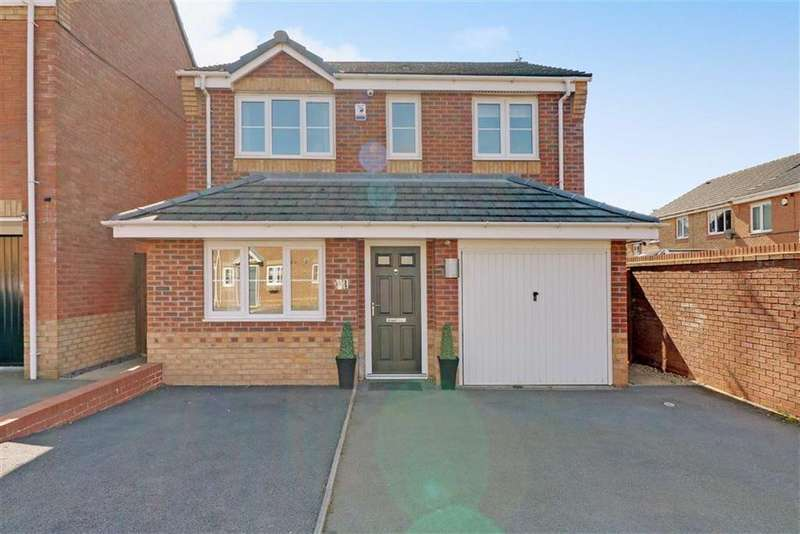 3 Bedrooms Detached House for sale in Strauss Drive, Heath Hayes, Staffordshire