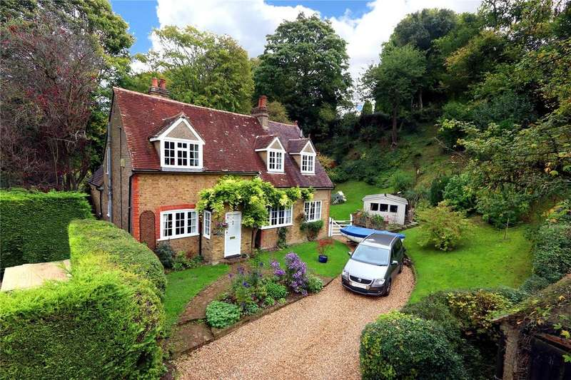 4 Bedrooms House for sale in The Dell, Dunny Lane, Chipperfield, Herts, WD4