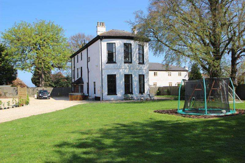 6 Bedrooms Manor House Character Property for sale in Abbotswood, Evesham